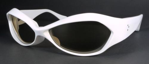ファクトリー900 FA-160、色は白