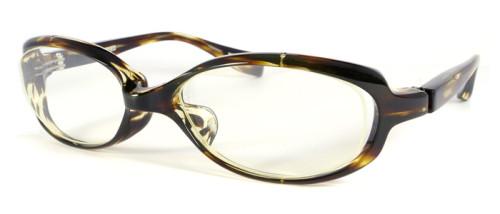 薄い茶色のメガネ
