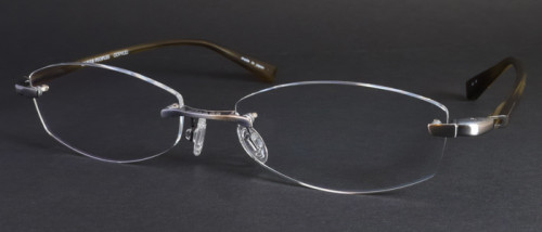 レンズ形状を変更した福山雅治さんガリレオ着用メガネ