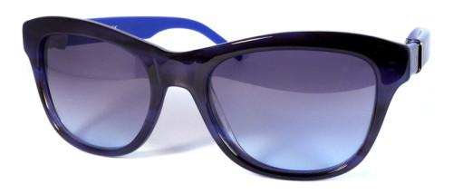 ブルーとべっ甲柄のサングラス