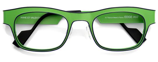 グリーンのウェリントンメガネ