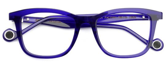 ブルーのメガネ