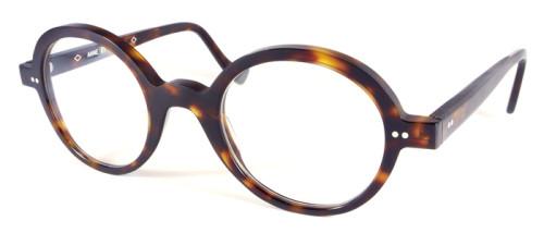 べっ甲柄の丸メガネ