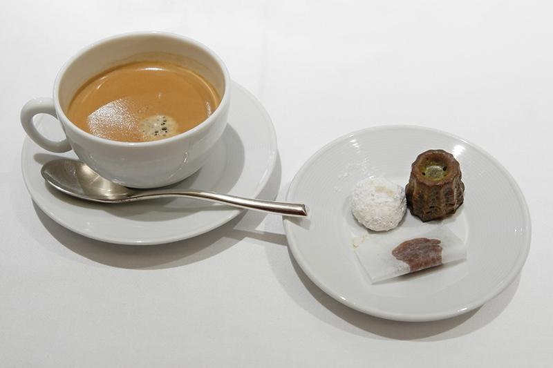 小菓子、コーヒー