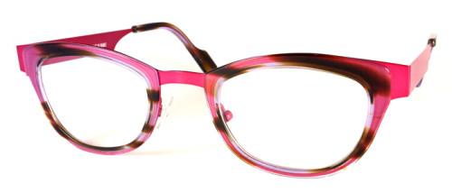 ピンクの異素材を組み合わせたメガネ