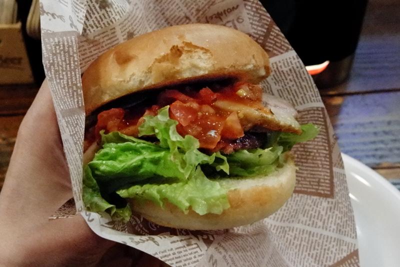 ファボリ 自家製ハンバーガー