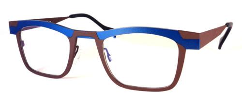 ネイビーとブラウンのチタン素材のメガネ