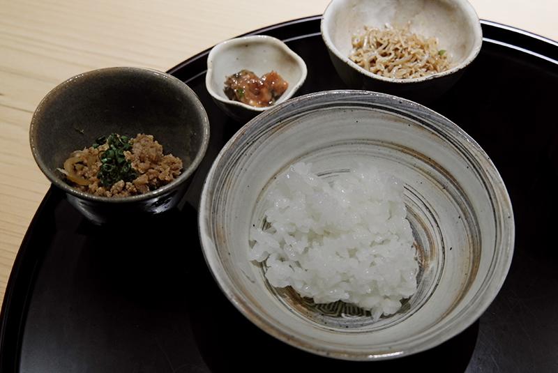 白米、ちりめん山椒、そぼろ、たたき梅