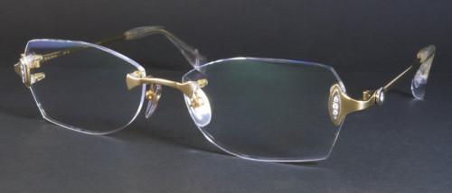 18金ゴールドのメガネ画像