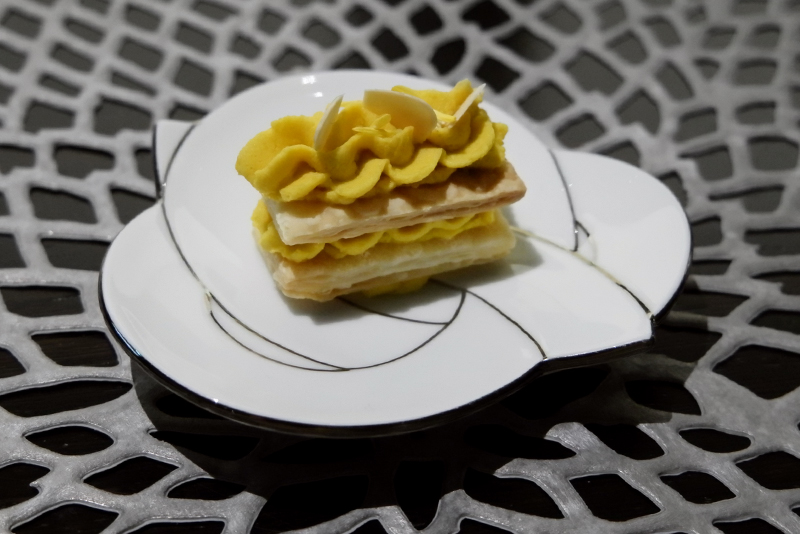 軽井沢花井農園より カボチャのパイ