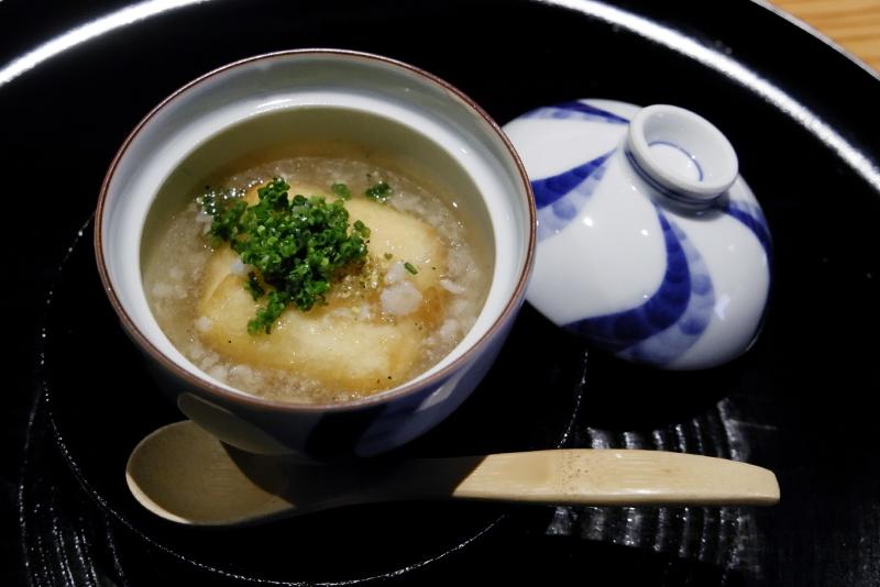 揚げゴマ豆腐、やげん軟骨の餡掛け
