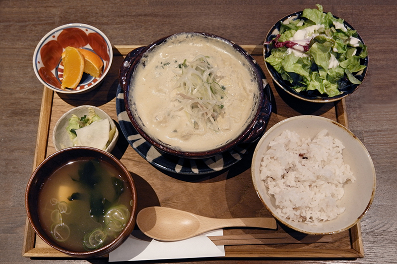 今週の鍋御膳(豆乳つくね鍋)