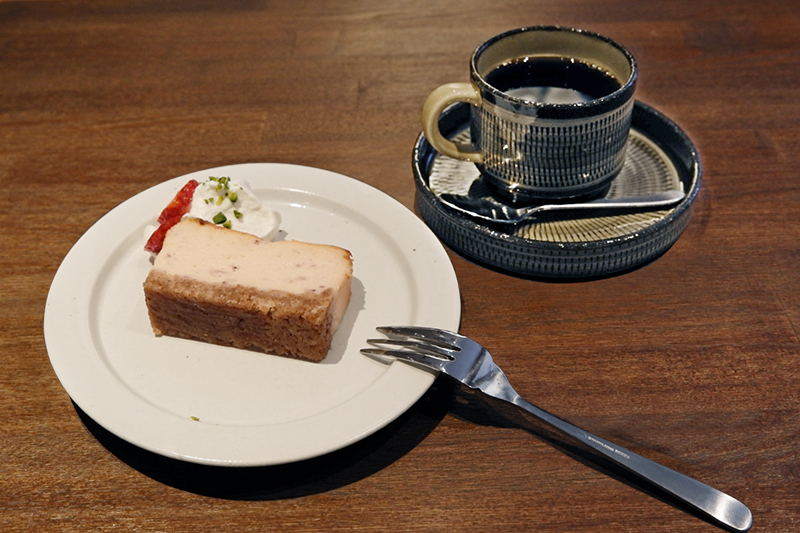 キャラメルバナナチーズケーキ、ニッピ オリジナルブレンドコーヒー