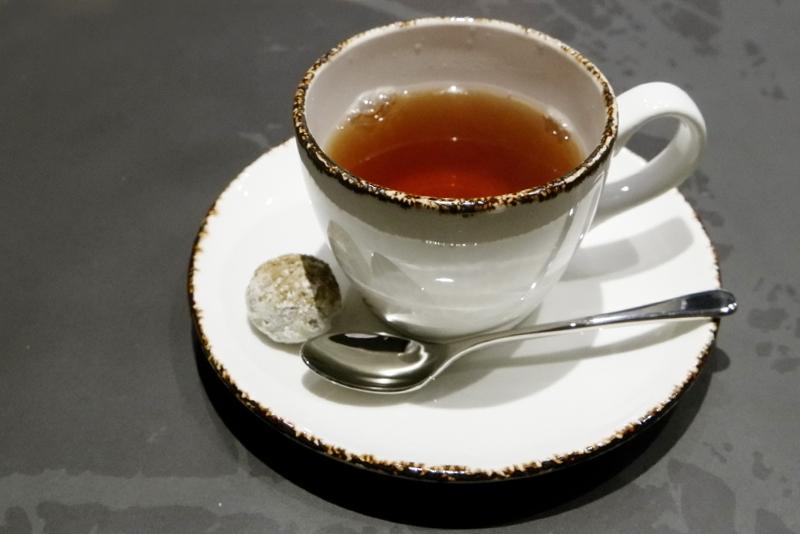 紅茶、ほうじ茶のスノーボール