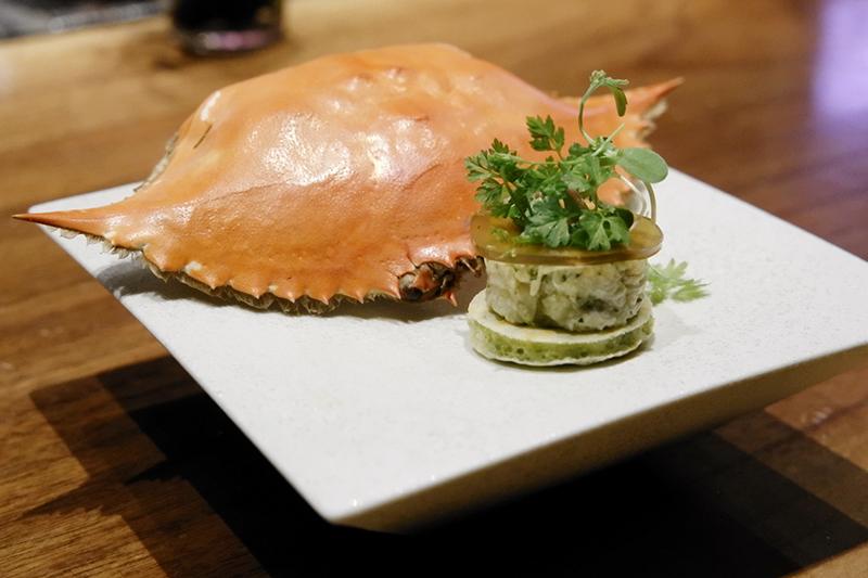 北海道産ワタリガニのサラダ仕立て