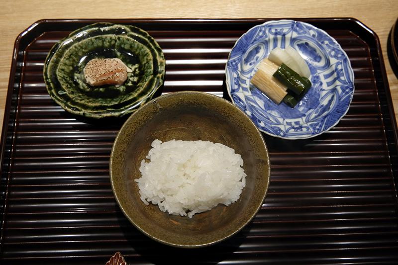 土鍋ご飯、タラコの粕漬け、お新香