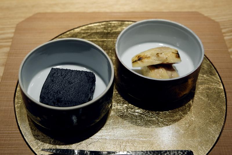 イチジクの蜂蜜煮、黒ごま羊羹