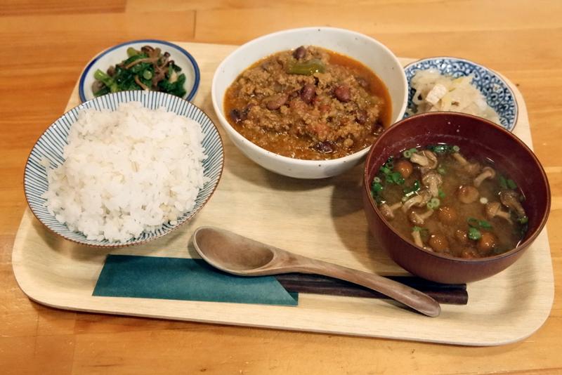 羊と黒豆のスパイスカレー