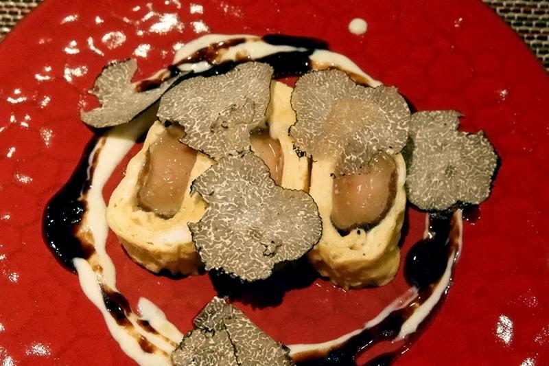 フォアグラのだし巻き卵 トリュフソース