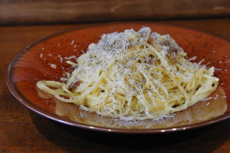 自家製ベーコンのスパゲッティ カルボナーラ