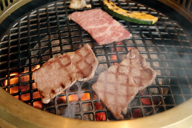 米沢牛極上焼肉2種 ヒレ、トモサンカク