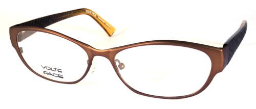 フロント素材はチタン、色はブラウンのメガネ