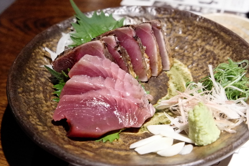 カツオの塩たたき(藁焼き)、カツオの刺身