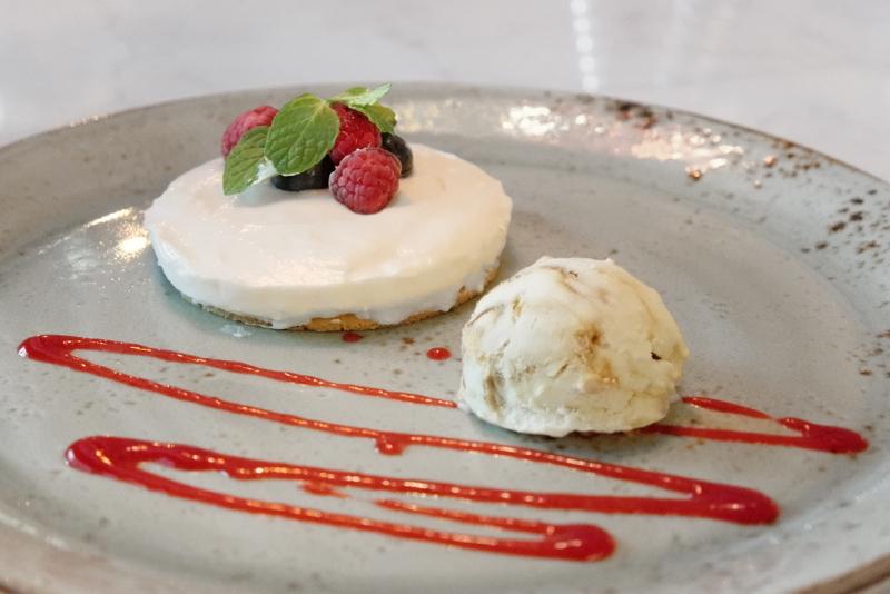レアチーズケーキ、キャラメルアイス